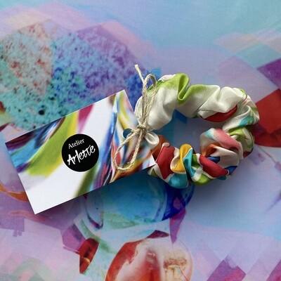 Atelier Arlette | Handpainted Silk Scrunchie - white colored