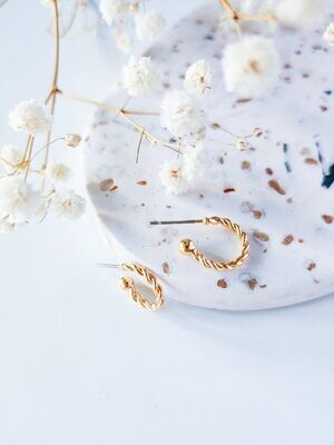 Isa & Roza | Golden Braided Hoops - Small 1cm