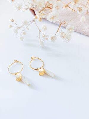 Isa & Roza | Golden mini hoops with ivory pearl and gold shell