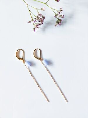 Isa & Roza | Gold earrings with little lilac stone