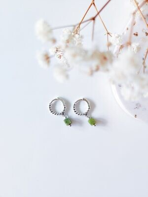 Isa & Roza | Silver dotted mini hoops with green stone