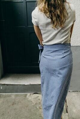 Olá Lindeza | Linen Wrap Skirt with wooden button - Blue checkered