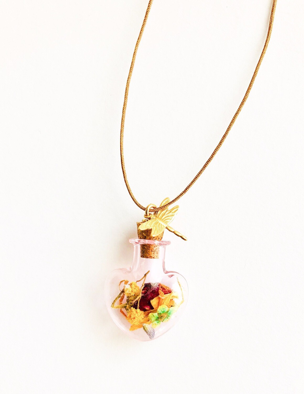 Botanical heart bottle cord