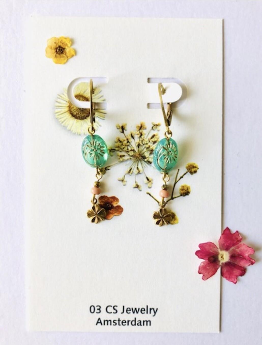 Frida green flower earrings