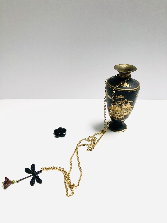 Black dragonfly flower necklace