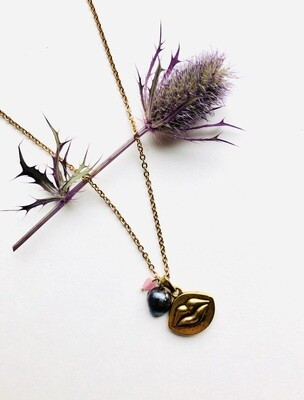 Bacio necklace