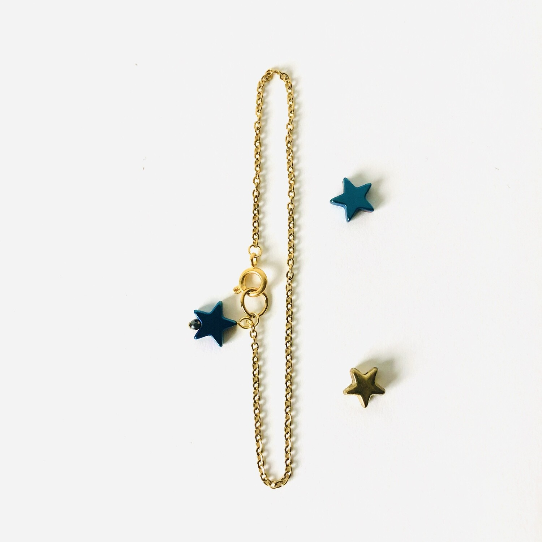 The blue star bracelet