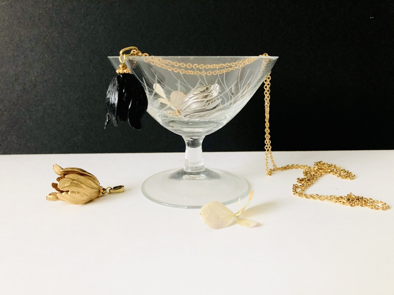 The Black tulip necklace