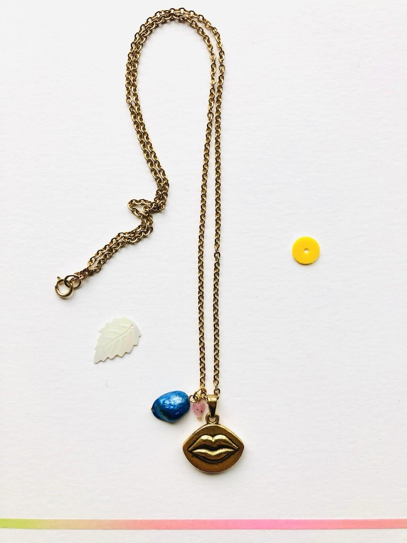 Bacio necklace