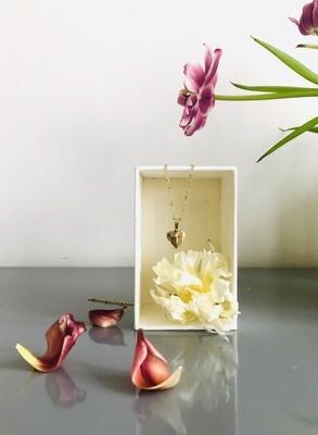 Sweet heart flower locket necklace