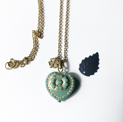 Sea green  anemone necklace