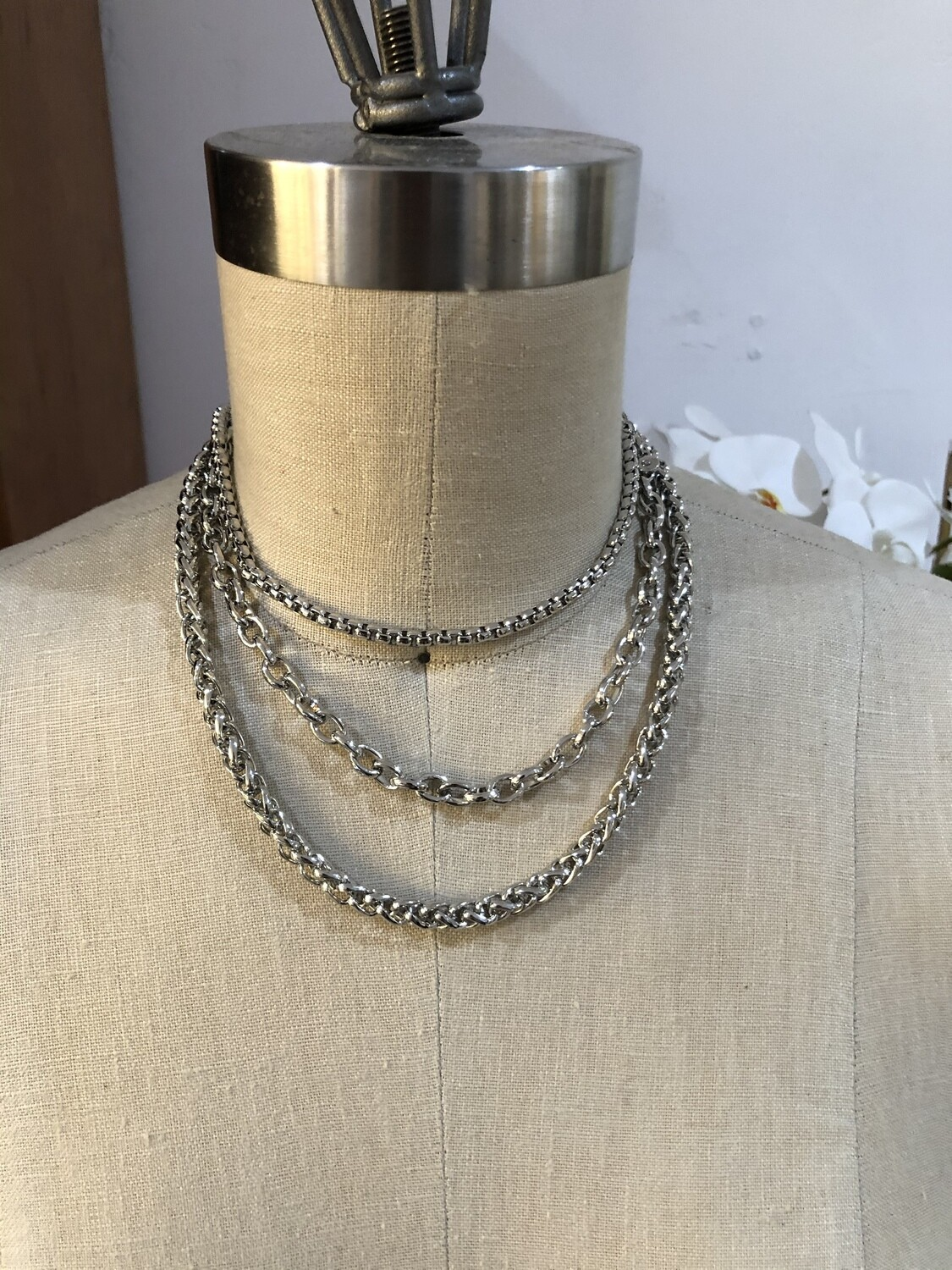 Trois Chain Necklace