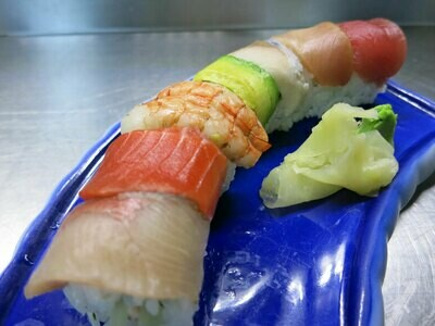 Rainbow Roll GF with Dungeness Crab