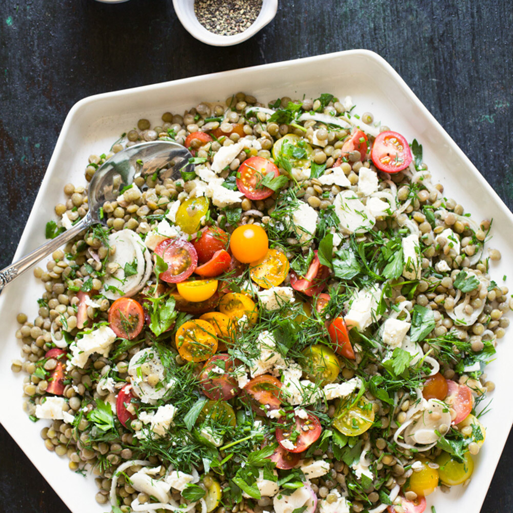 Mixed Salad with Tomatoes, Feta and Lentils