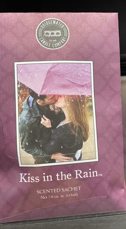 Kiss In The Rain Sachet