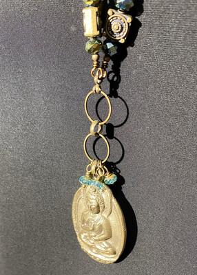 DK Elements Buddha Necklace Long Green