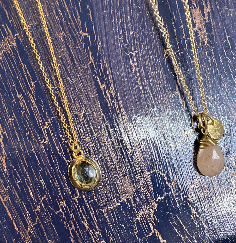 Fair Pink Quartz Gold Necklace