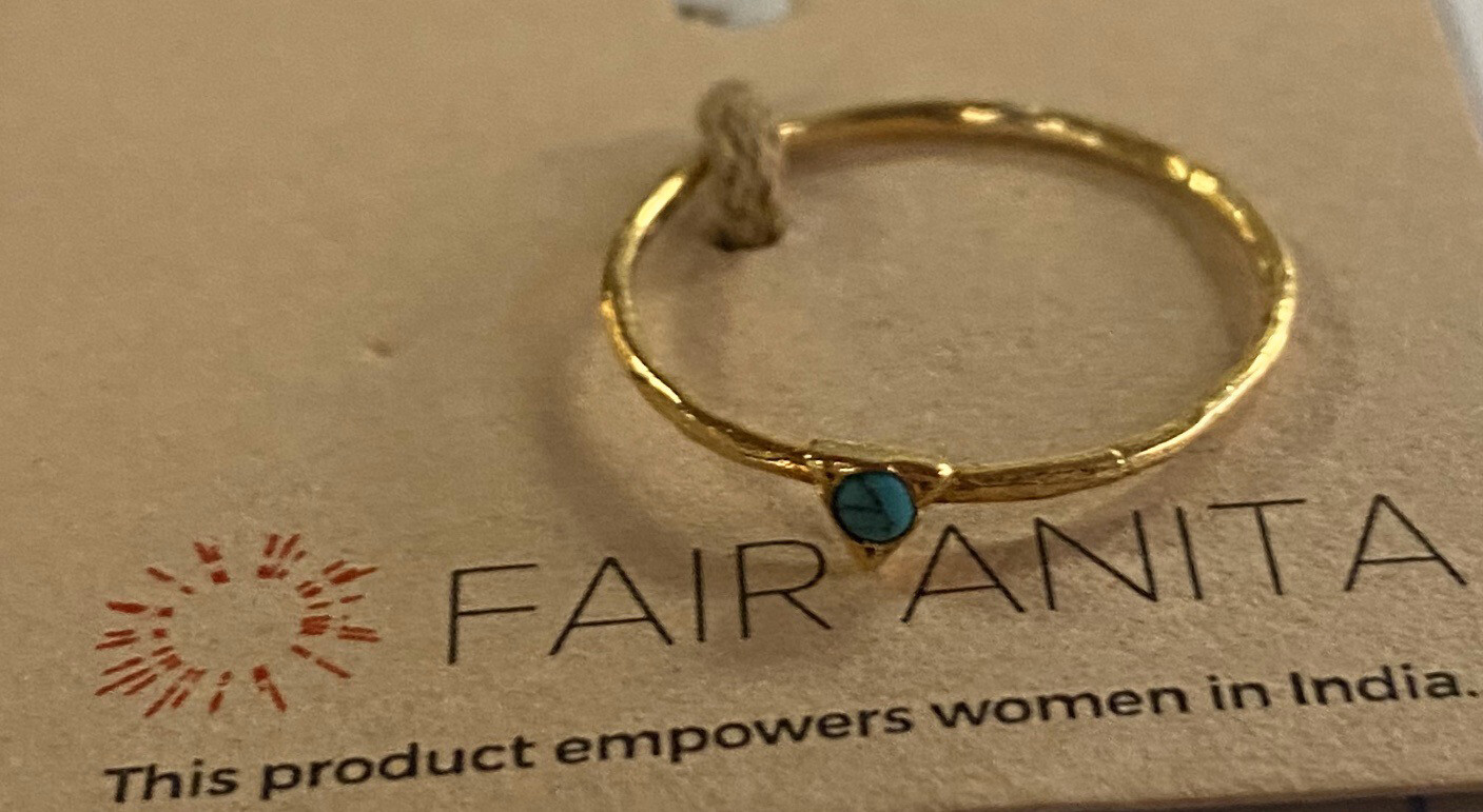 "Fair Turquoise Gold Ring Size ""7"""