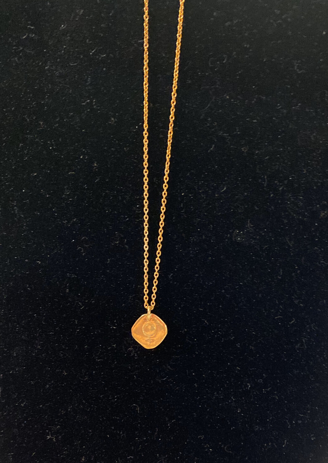 Fair 14Kgold Necklace Venus symbol ♀ (often considered to represent a bronze mirror with a handle) for female, derived from astrological symbols.
