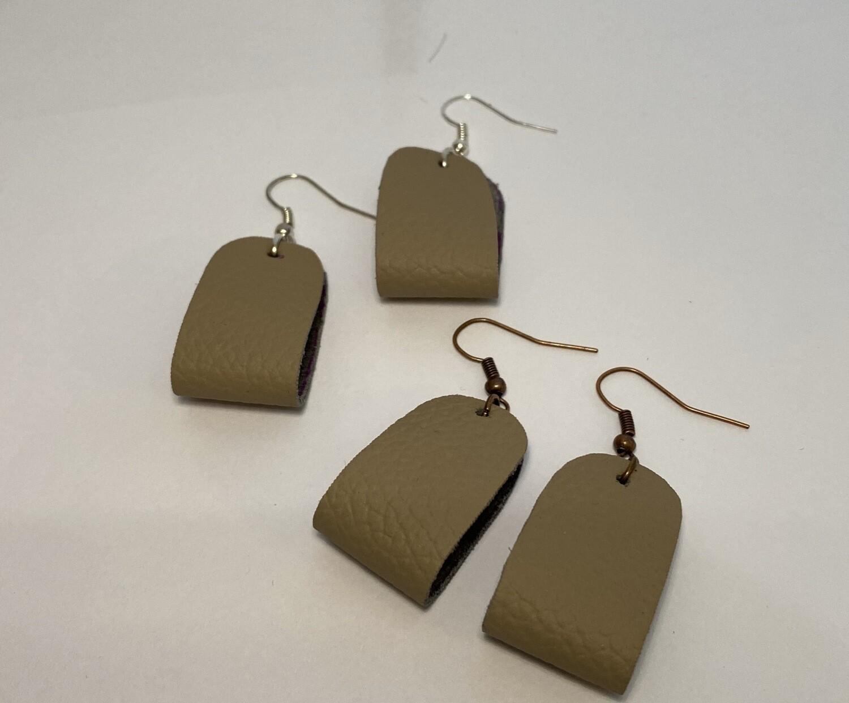 DK Leather Stirrup Light Grey w Copper Ear Hook