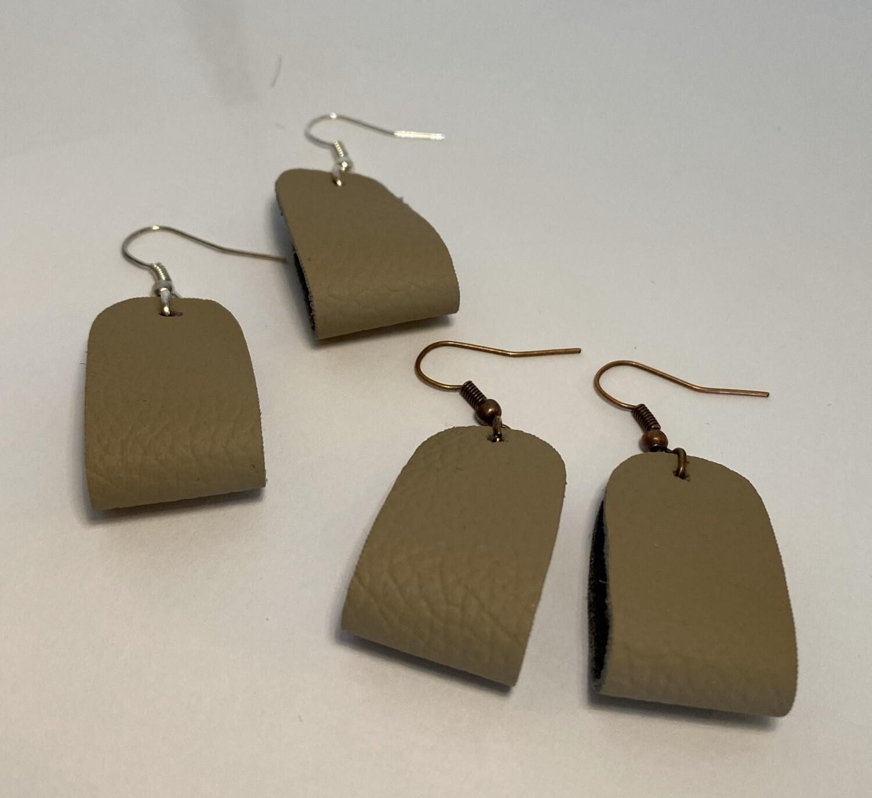 DK Leather Stirrup Silver Ear Hook