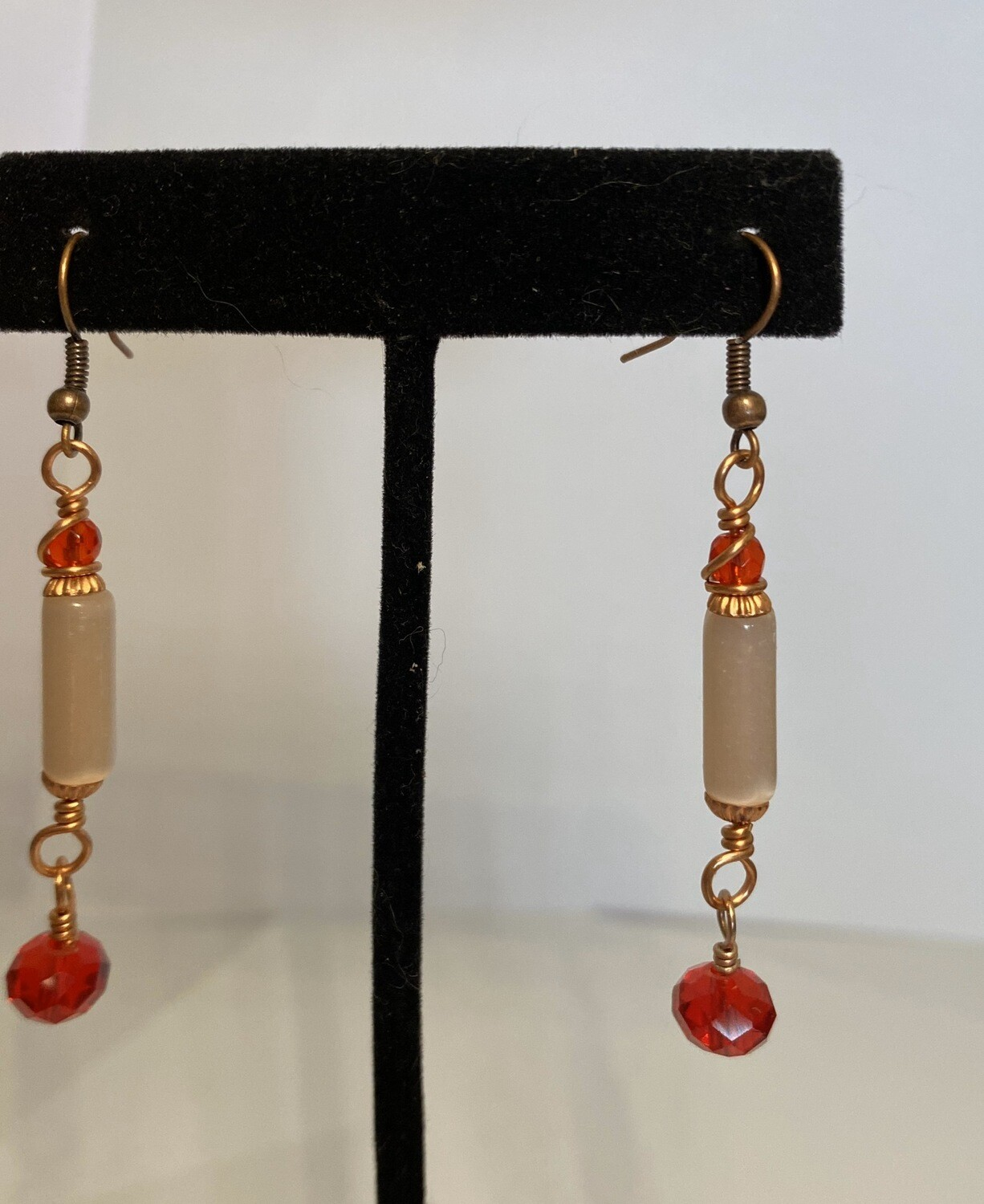 DK Glass Pear Bar And Red Earrings
