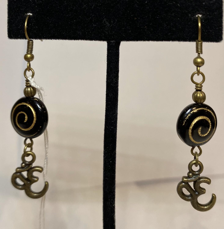 DK Czech Glass Gold Swirl OM Earring