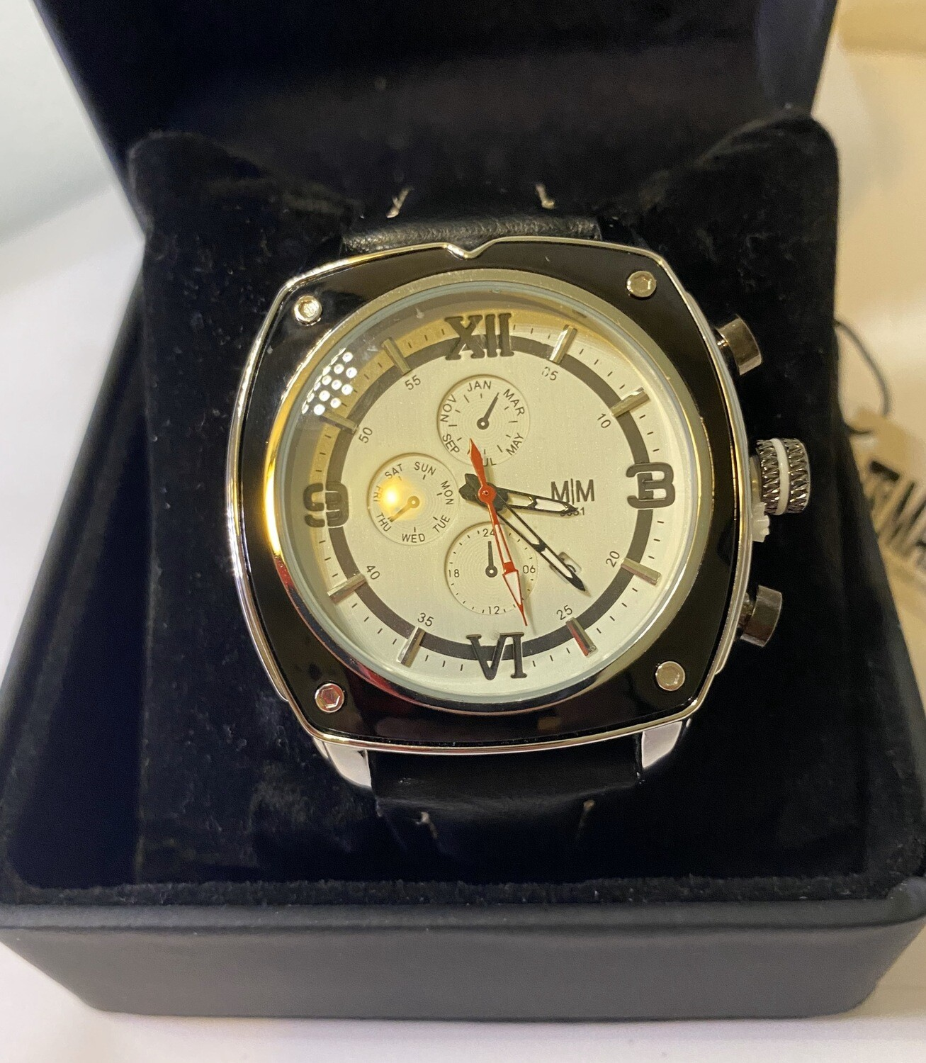 Mad Man Sport Watch w Date Japanese Quartz Batterie Operated. Cream And Silver Face. Blk Strap W Wht Stitch.