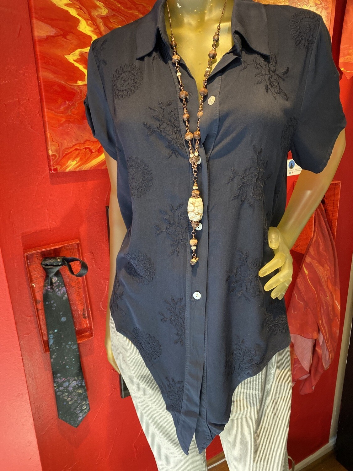 Major Deal Made In Italy Deep Navy Super Soft Top. Embroidered Roses Mother Of Pearl Buttons Relaxed Fit Only 1 XS