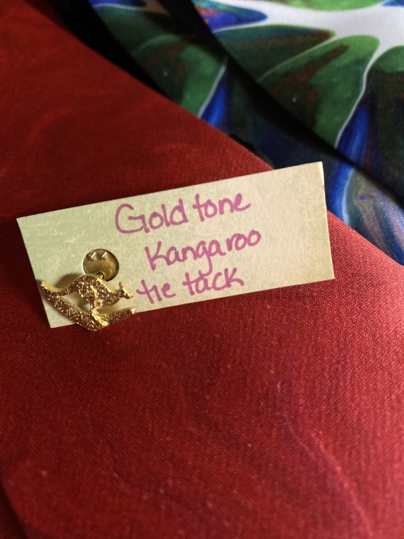 DK Gold Tone Kangaroo Tie Tack