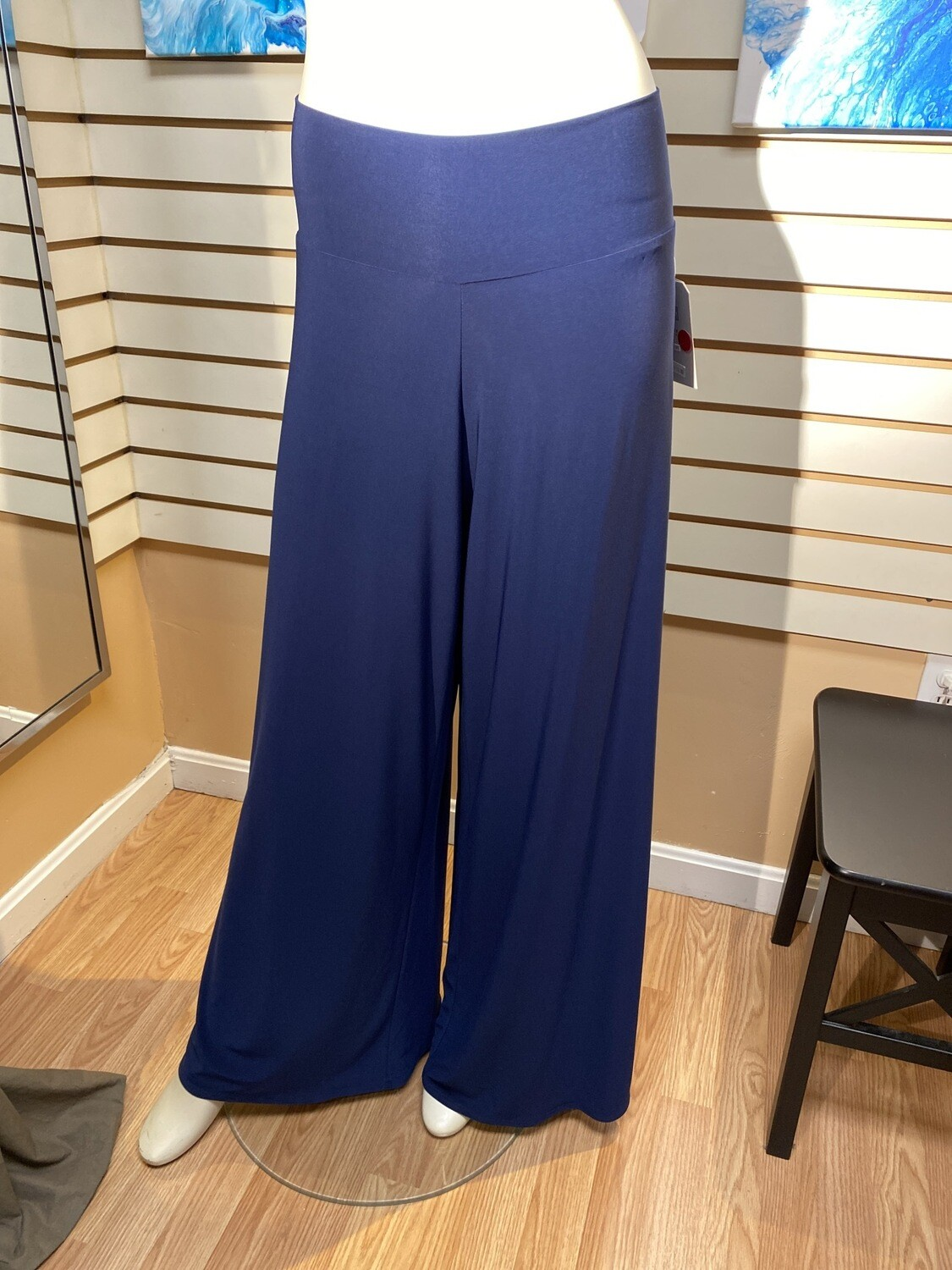 Major Deal Clara SunWoo. Beautiful Full Pant Only 1. Size 1X /18. Crepe Rayon. Pinned Here To Fit Model.