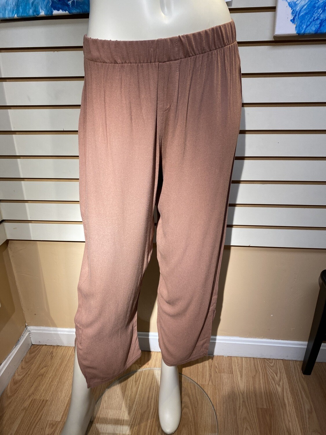 Major Deal Inside Out. Made In USA. Softest Of Crepe Pant. Nice Ankle Slit. So Soft. Small Dark Blush