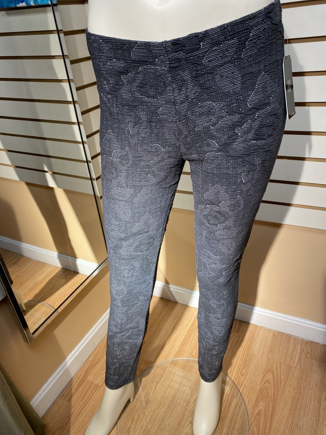 Major Deal Clara SunWoo Textured Legging Pant Gray's Only 1 1XL /18