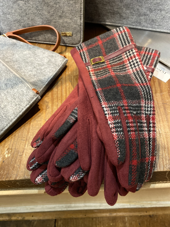 Pia Ivie Glove Black/red