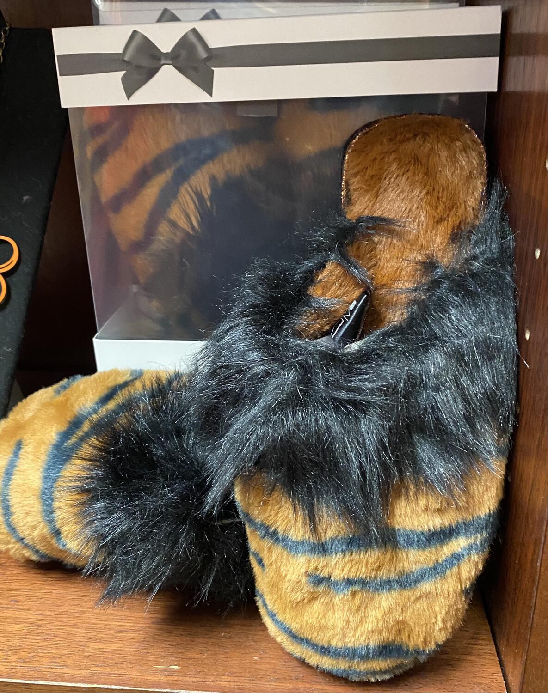 Fran Furry Lioness Slipper L