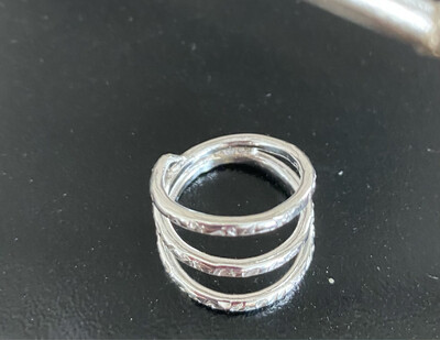 A&A 9 Sterling Silver Hammered Size 7ishh