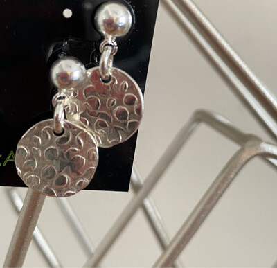 A&A 17 Sterling Silver Posts Single Disc.