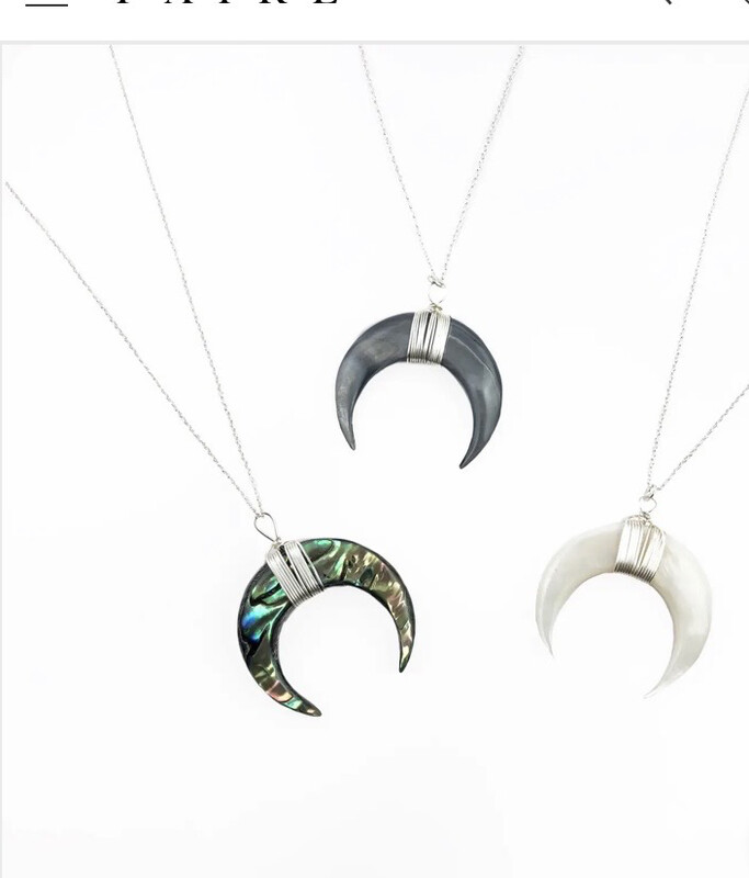 WA Lunula 18 In Necklace Silver Greyshell