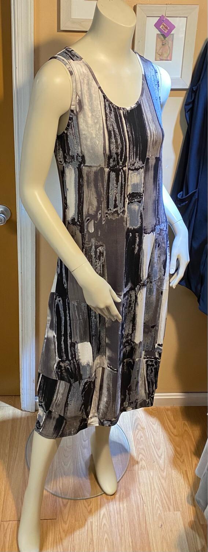 LIV Arths Slvless Pocketed Modal Dress Neutral M