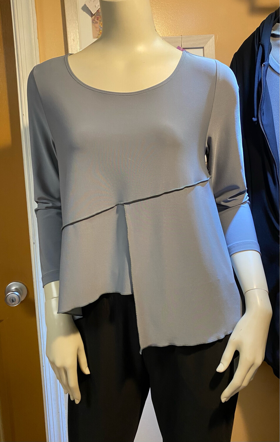 LIV Fndatn Knit Top ( Great For Layering) Iron Color XS