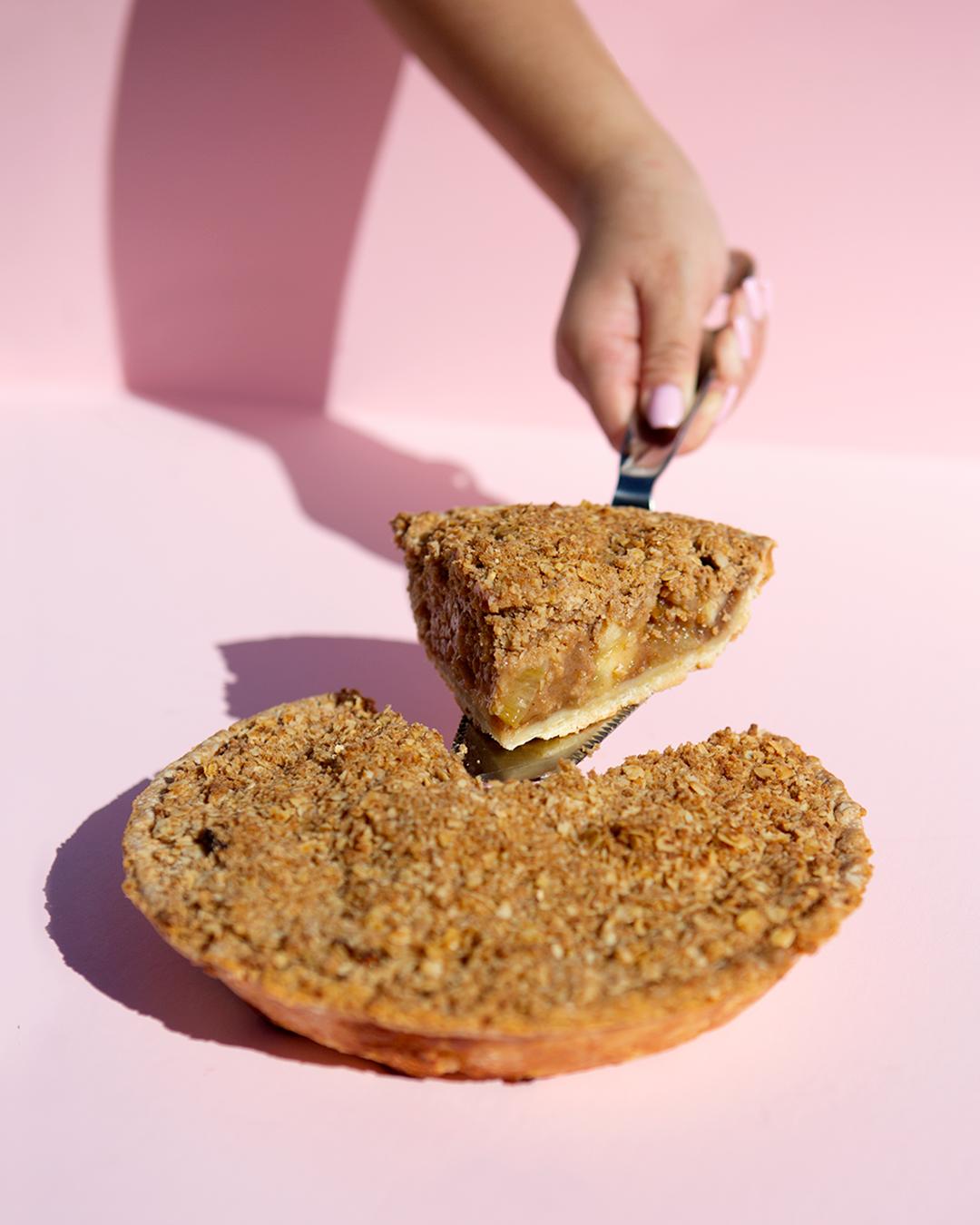 """Deli / Dessert / Pietisserie Pink Apple Pie, 9"""""""