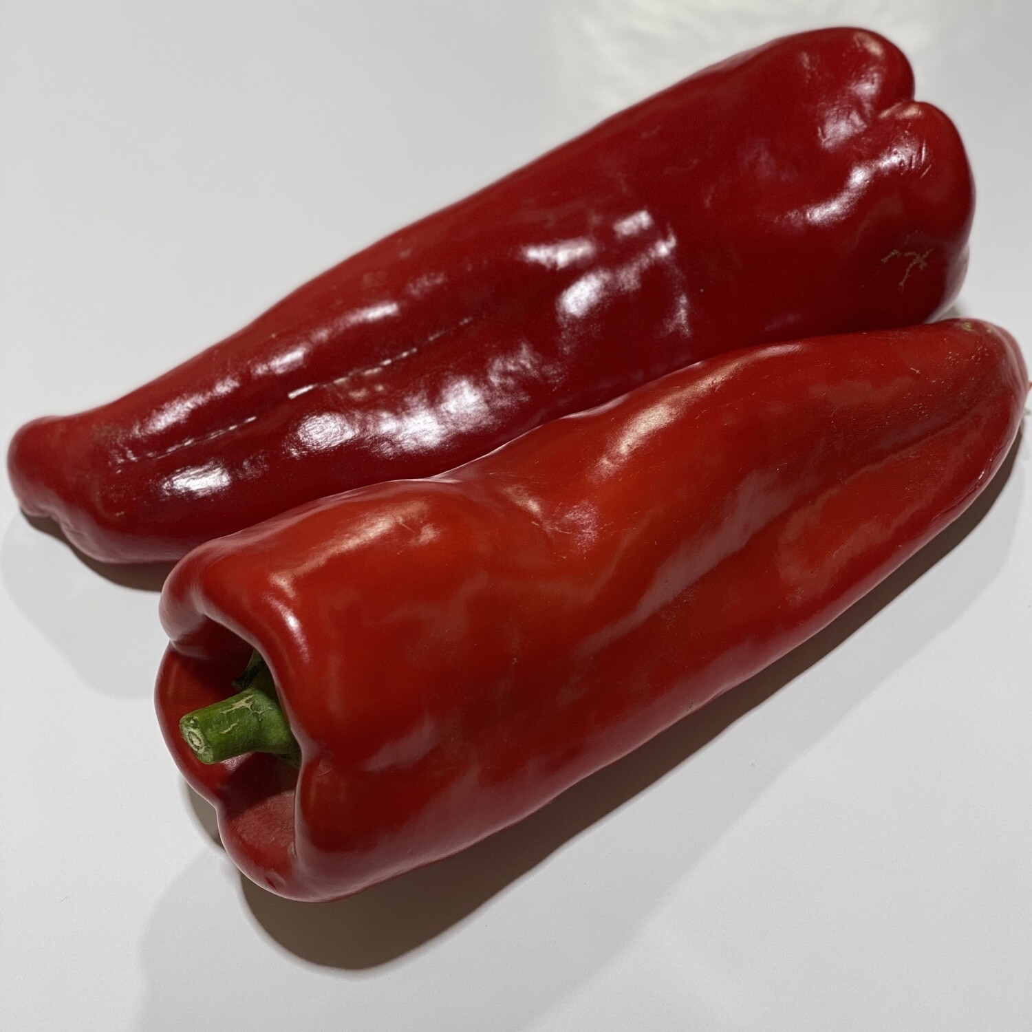CAPSICUM RED (LONG SWEET PEPPERS)