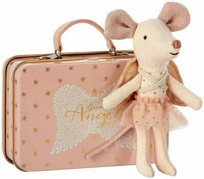 Kleiner Engel im Koffer