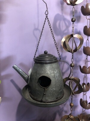 ALPINE METAL TEA POT BIRD FEEDER-BFG 2020