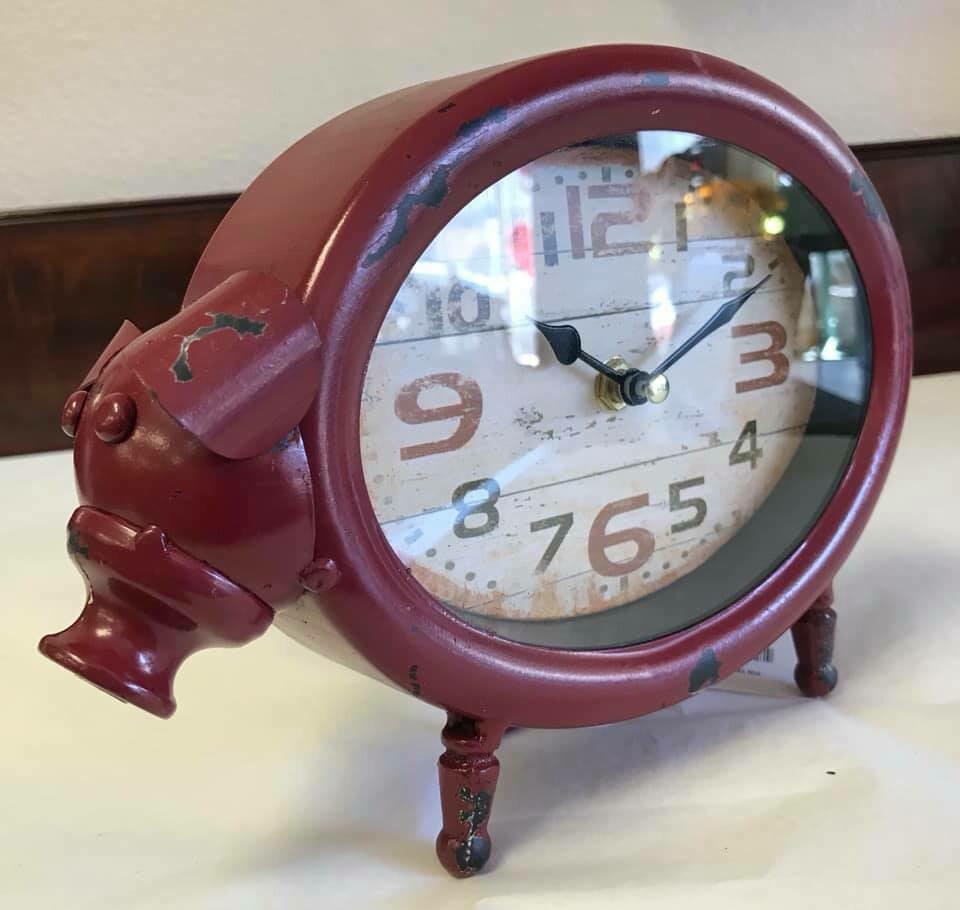 Home decor/pig clock