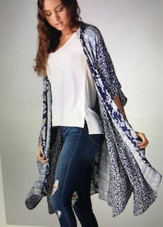 Apparel/angie/kimono/navy and white floral sz. med