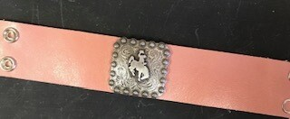 Bracelet/Wyo silver steamboat concho on pink leather