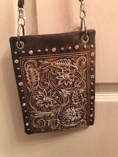 Crossbody bag by Chic
