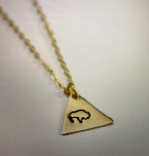 Jewelry/buffalo/gold necklace