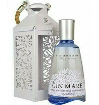 Gin Mare in Windlicht - Incl ZUCO T-shirt twv 25 euro - Soft drinks - Pipers Chips